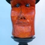 Homme au chapeau Pierre Tarasco, objets trouvés 20 x 8 x 10 po